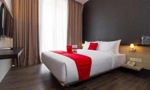 Singapore's RedDoorz hotel chain raises USD 70 million as Rakuten jumps in