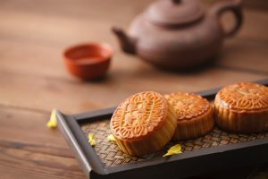 New pea protein-based meat mooncakes sell out instantly in China